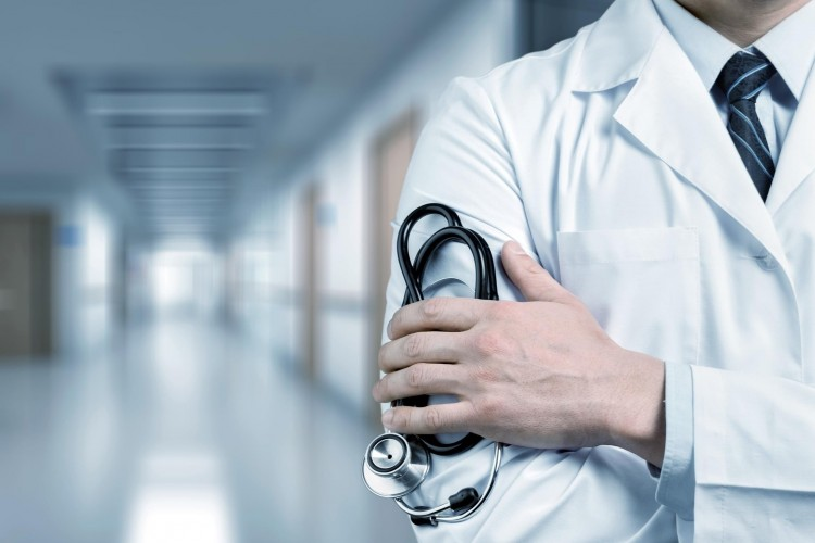 A kórházi dolgozók 5 százaléka nem írta alá az új szerződését