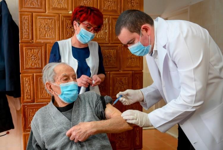 A 100 éves Fejes Lajos védett a koronavírustól