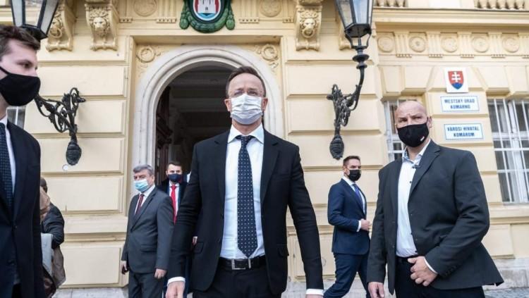 Bekérették a pozsonyi magyar nagykövetet a szlovákok