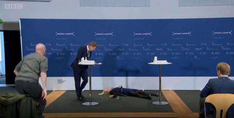 Ország-világ előtt ájult el a dán főgyógyszerész + VIDEÓ!