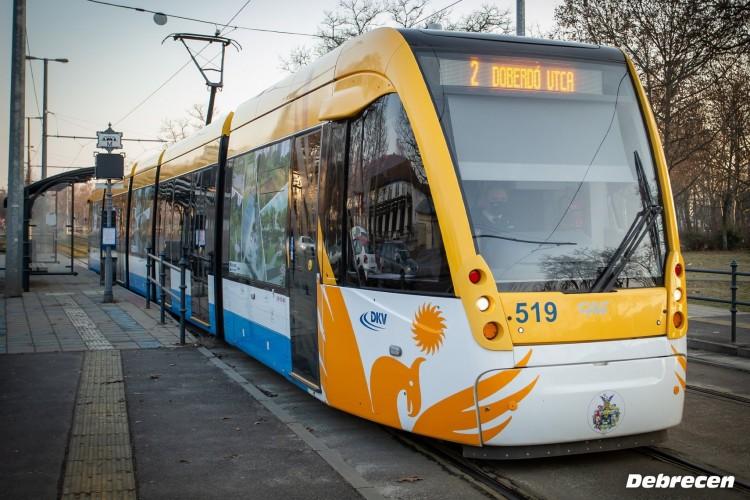 Nyitnak az iskolák - változik a menetrend Debrecenben