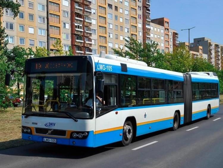 Április végéig a kisdiákok ingyen utazhatnak Debrecenben