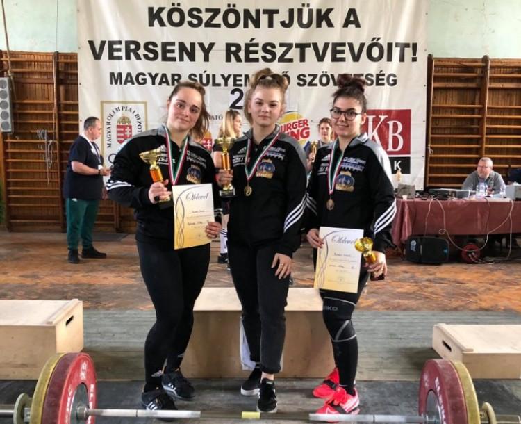 Még gimnazista lányok, de már erősebbek, mint a legtöbb férfi Debrecenben