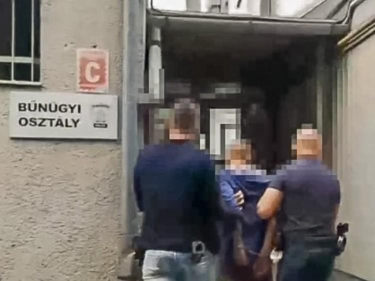 Elítélték a Debrecen belvárosában lecsapó késes rablót