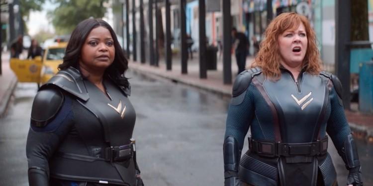 Jönnek az alacsony, kövér, középkorú szuperhősnők!