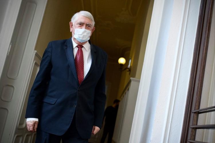 Járvány: fontos ellátások indulnak újra