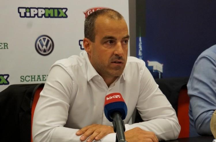 Egy kézben a DVSC futball- és kézilabdacsapata – interjú Ábrók Zsolttal