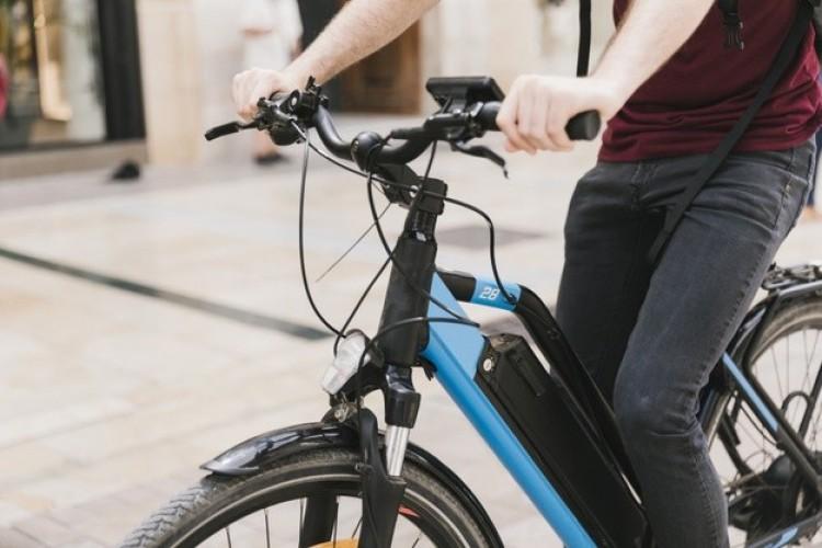 Elektromos kerékpár: vegye meg támogatással!