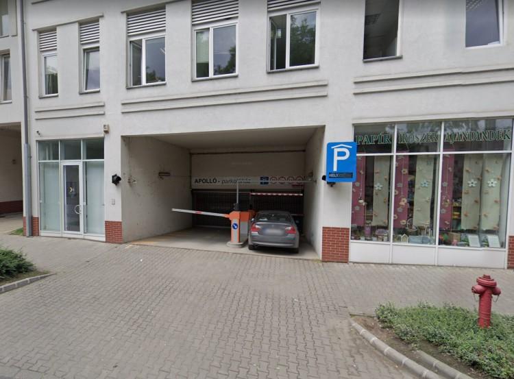 Ötszáz parkolóhely áll üresen Debrecen belvárosában