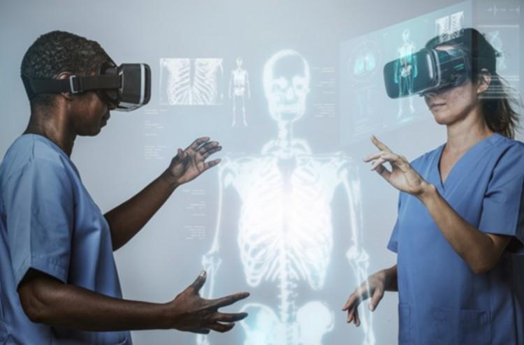 Virtuális valóság: hogyan hat az emberiség életére és a különféle iparágakra?