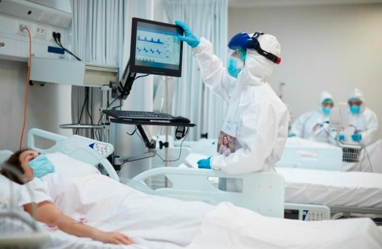 Az jó hír, hogy ötszáz alatt van az új fertőzöttek száma