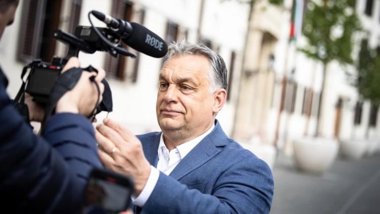 Így köszönt el Orbán Viktor a maszktól
