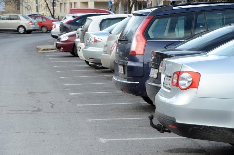 Fideszes polgármesterek is eltörölnék az ingyenes parkolást