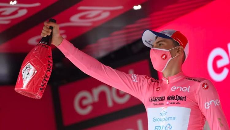 Valter Attila megőrizte a rózsaszín trikót!