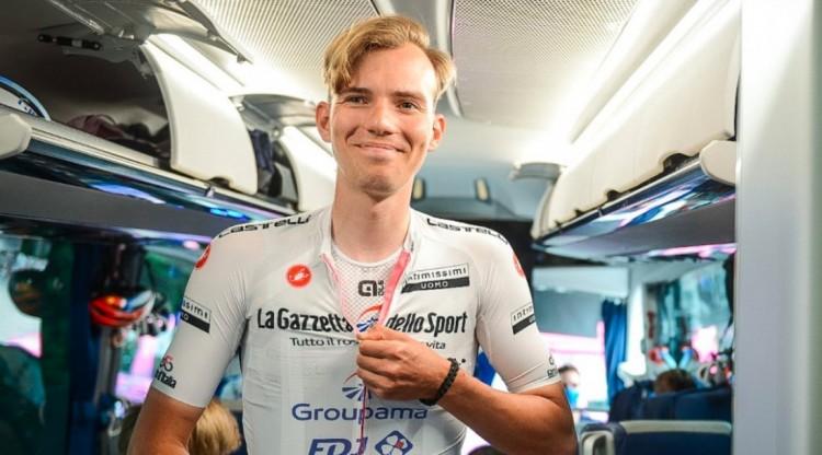 Szenzációs magyar siker: Valter Attila vezeti a Giro d'Italiát!