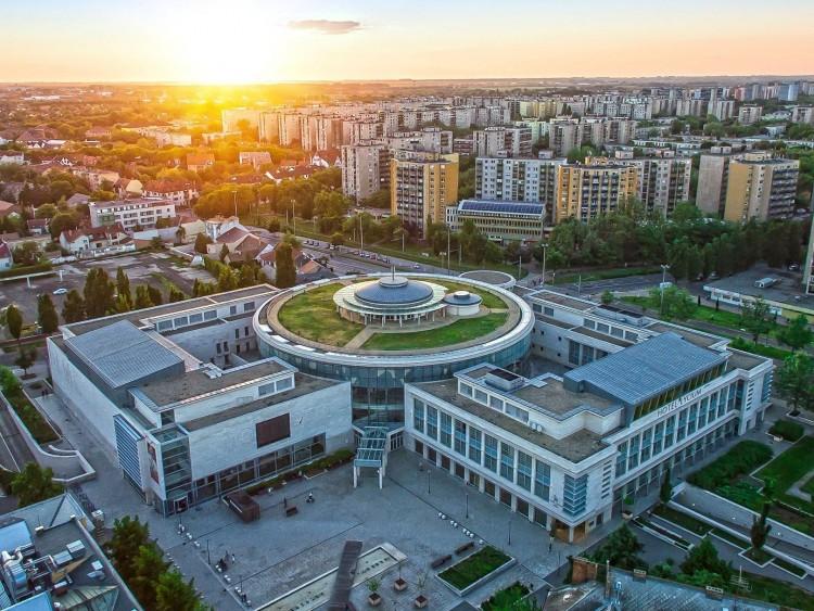 Budai elit helyről érkeznek új vezetők Debrecenbe