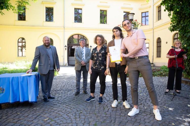 Könnyűzenészeknek nyújtott támogatást Debrecen