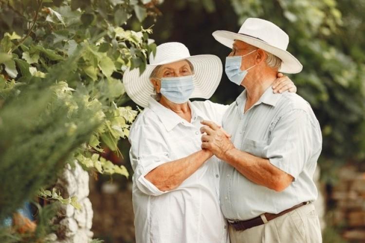 Németország: sokan hordanák a maszkot a járvány után is