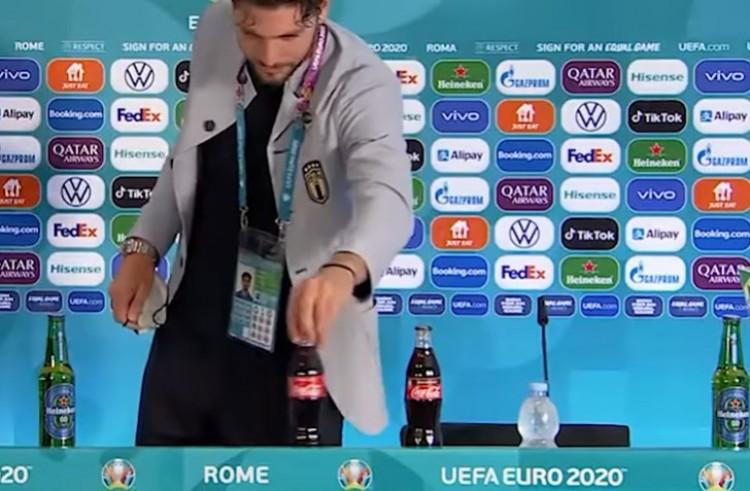 Újabb akció a Coca-Cola ellen, ezúttal az olaszok sztrjától + VIDEÓ!