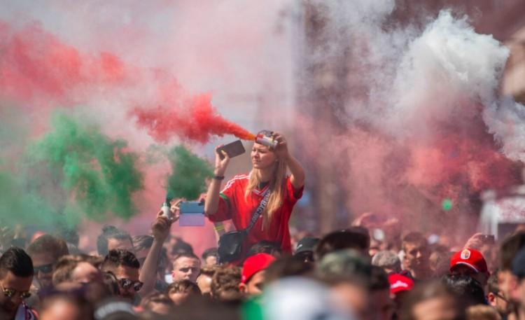Elkészült az ország leghosszabb szurkolói sálja, debreceni közreműködéssel