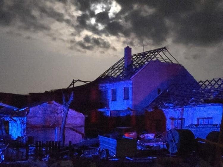 Tornádó, halottak, több száz sérült Csehországban