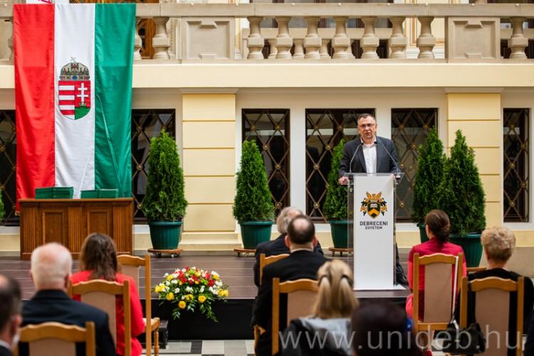 Kiválóságait ismerte el a Debreceni Egyetem