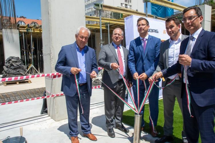 Letették Debrecen új, négycsillagos szállodájának alapkövét