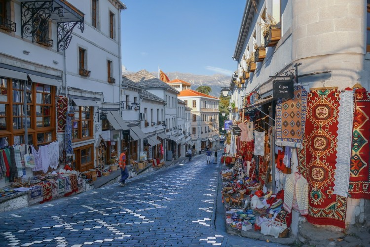 Albániába és Marokkóba is utazhatnak a beoltott magyarok