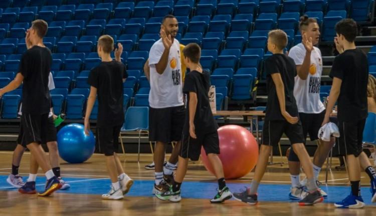 A Barcelona sztárja Debrecenben tanítja a fiatalokat