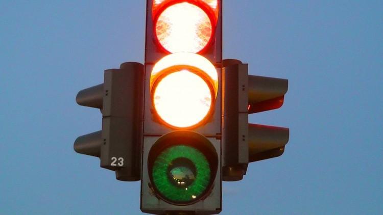 Forgalmas kereszteződésben nem működnek a jelzőlámpák Debrecenben