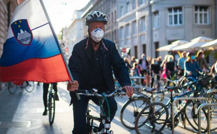 Nem enyhít Szlovénia. Sőt...