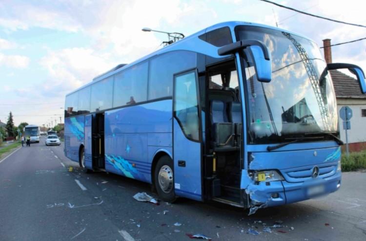 A derecskei buszbaleset szemtanúit keresi a rendőrség