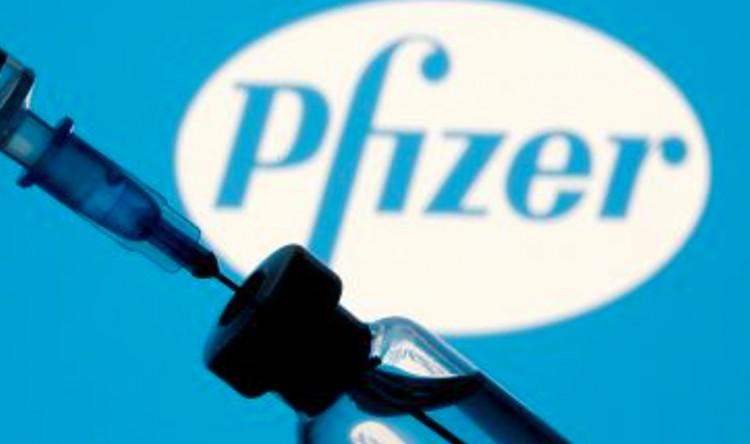 Ismét három hétre adják a Pfizer második oltását