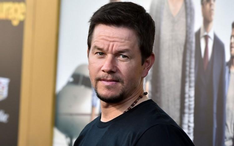 Ötvenéves Mark Wahlberg, Hollywood egyik legjobban kereső színésze