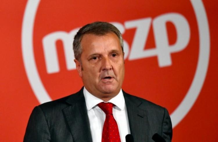 Kizárta a korábbi elnökét az MSZP