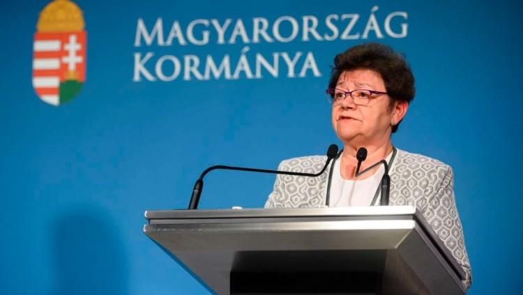 Müller Cecília hivatalosan is közölte: a harmadik hullám véget ért