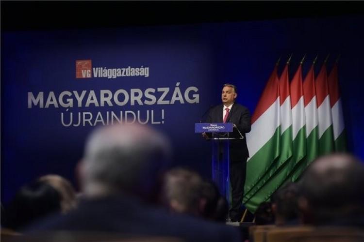 Orbán: a gyereket nevelők visszakaphatják a 2021-ben befizetett adójukat