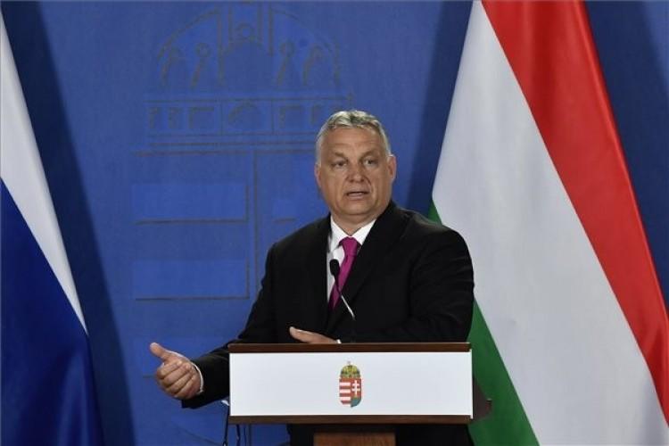 Orbán Viktor meglepő intézkedéseket ígér