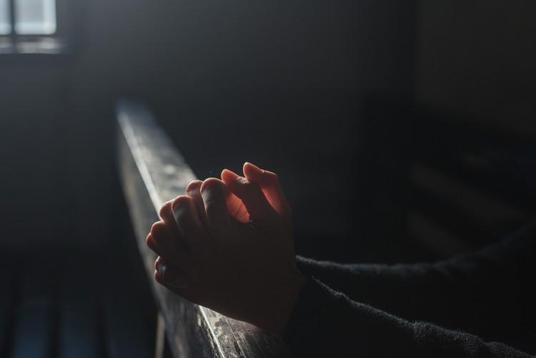 A koronavírus áldozataiért imádkoznak a keresztény templomokban