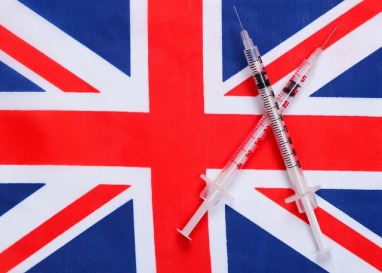 A brit felnőttek 80 százaléka már megkapta