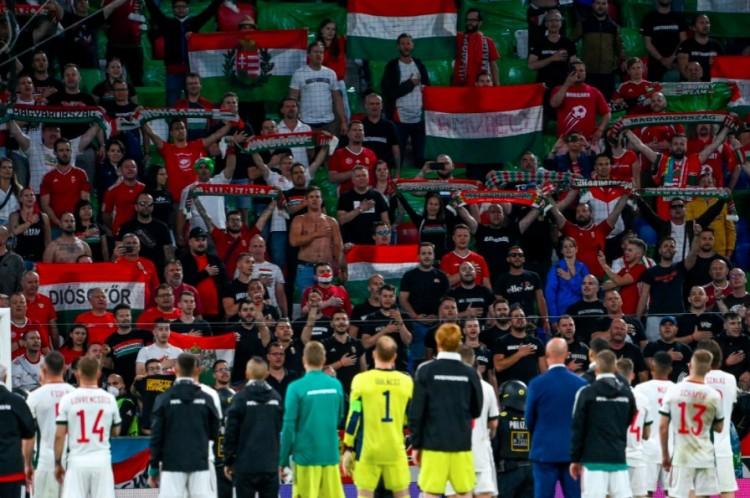 """Román sajtó: """"Tisztelet, Magyarország"""""""