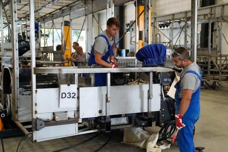 Megváltozott munkaképességűeket vonnak be a debreceni buszgyártásba