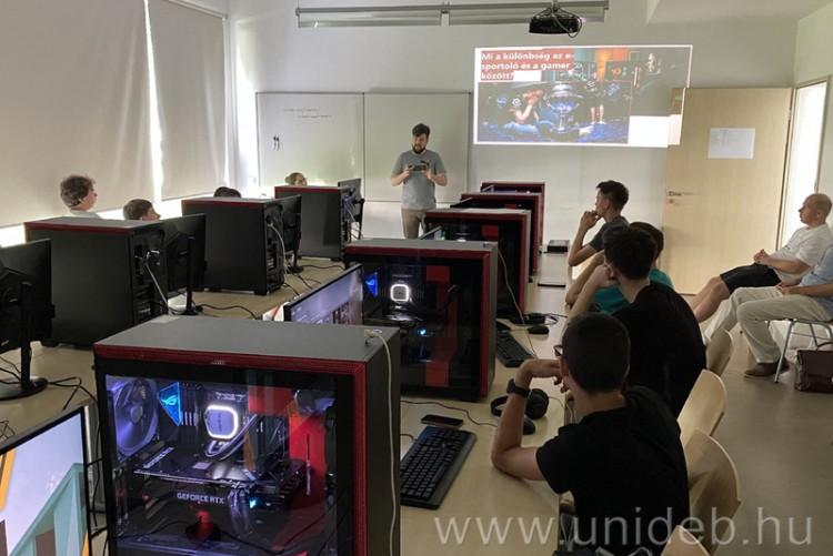 Digitális művészet a Debreceni Egyetem táborában