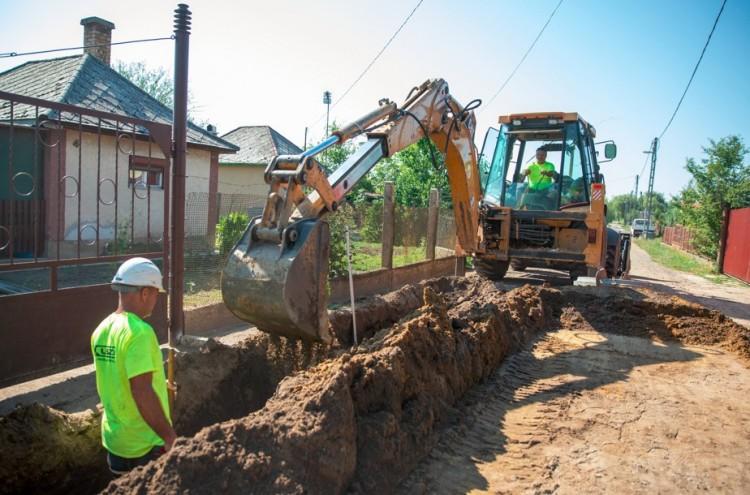 A Cinege utcán többé nem lesz térdig sár - az önkormányzat állja a cechet