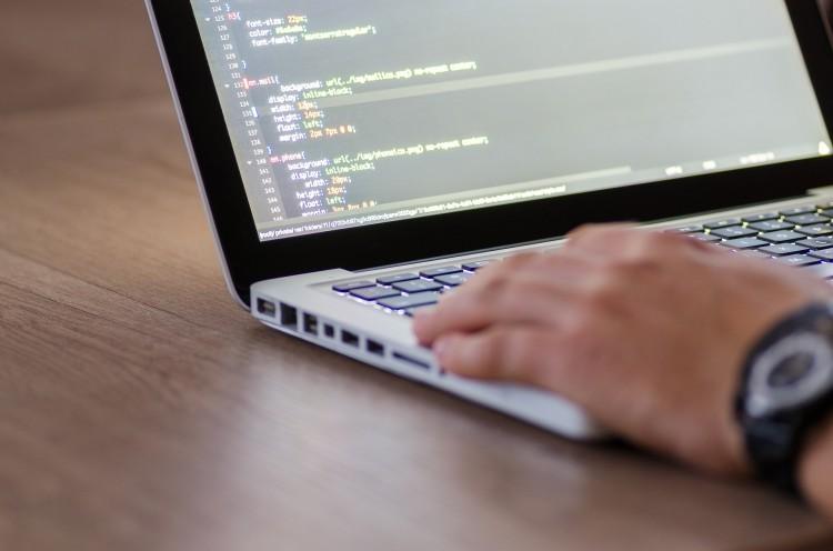 Ingyenes informatikai képzések várják az álláskeresőket
