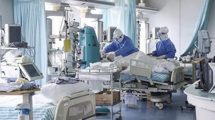 Koronavírus: csökkent a lélegeztetőgépen lévők száma