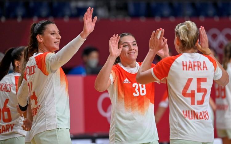 A női kézilabda-válogatott legyőzte a spanyolokat