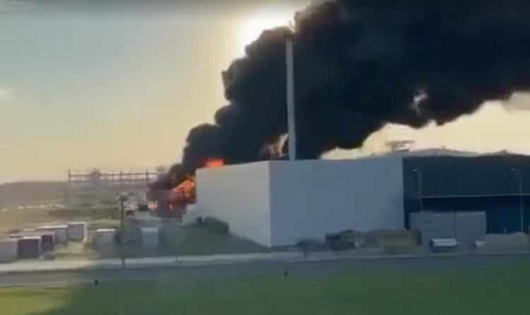 Hatalmas tűz volt egy tiszaújvárosi üzem területén
