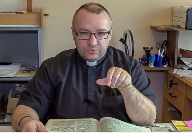 """A """"liberális trágyavilágot"""" okolja a püspökladányi plébános, miután törölték a TikTokról"""