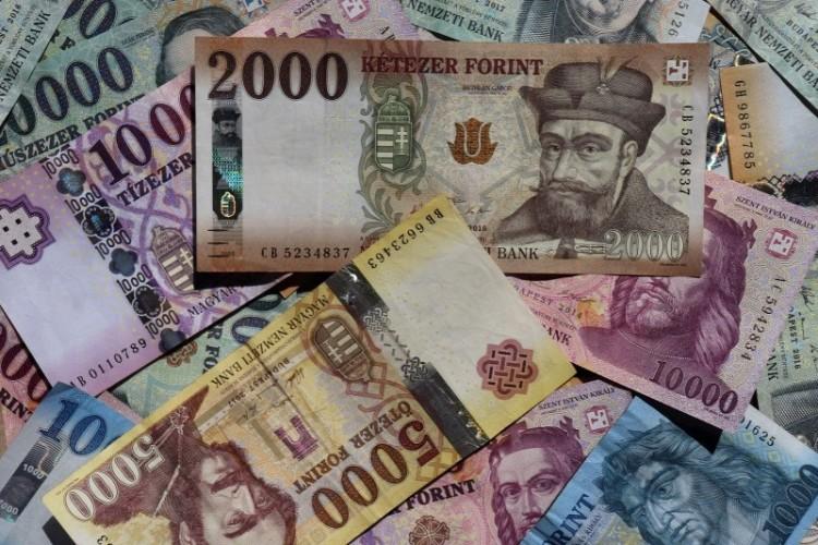 A kormány megtiltja a névtelen adományozást